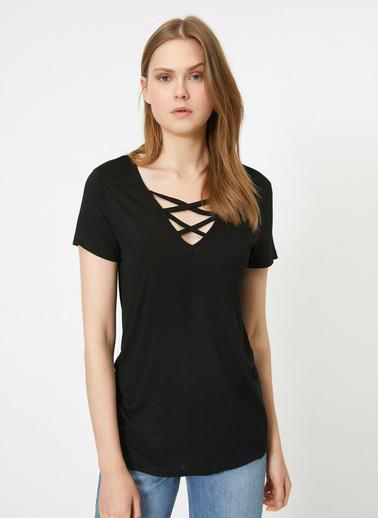 Koton Yaka Detaylı T-Shirt Siyah